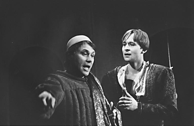 Representación del Teatro J. K. Tyla Plzeň, Pilsen, Chequia, de Pražmári (1996)