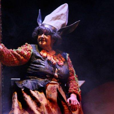 Representación del Teatro de Drama Ulyanovsk, Ulyanovsk, Rusia, de Kopylov y Medvedev (2017)