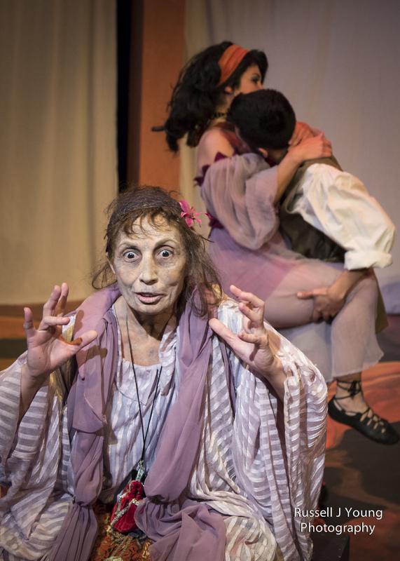 Representación del Miracle Theatre Group, Portland, 2013.
