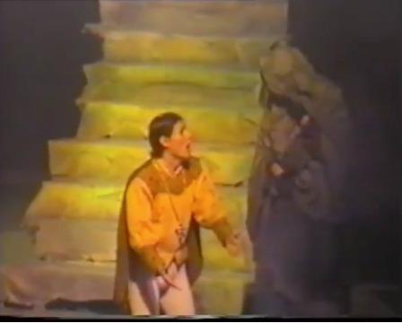 Representación del Teatro del Centro de Arte, Guayaquil, Ecuador, de Pinto (1994)