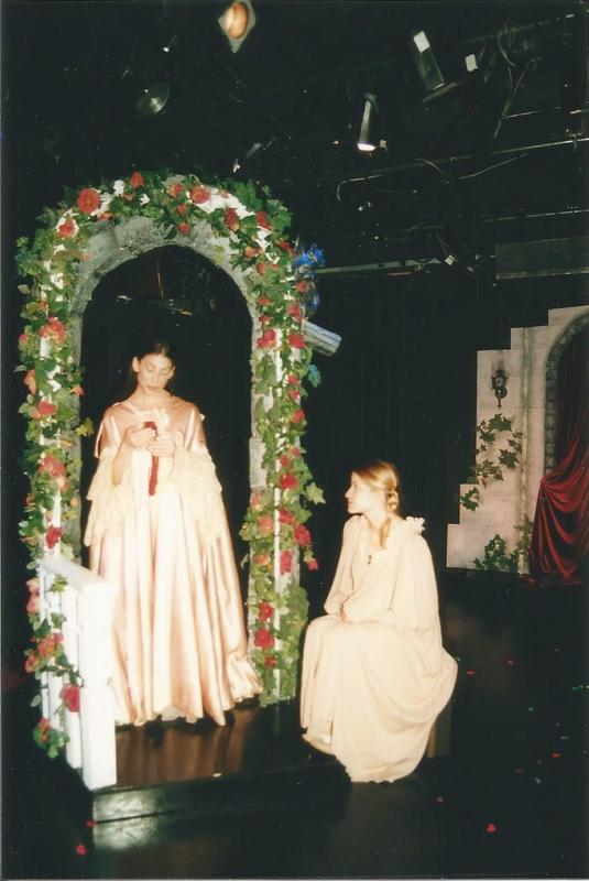 Celestina, a Tragic Music Comedy, de Bond, Nueva York (1999). Melibea y Lucrecia