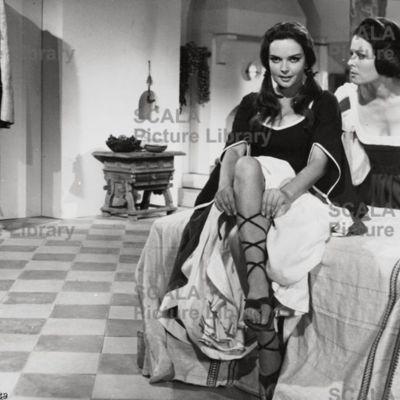 Fotocromo 14 de la películaLa Celestina, de Ardavín (1969)